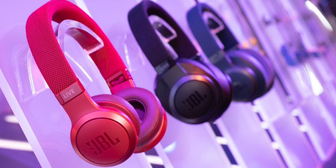 JBL stellt neue Bluetooth-Kopfhörer der LIVE-Serie vor