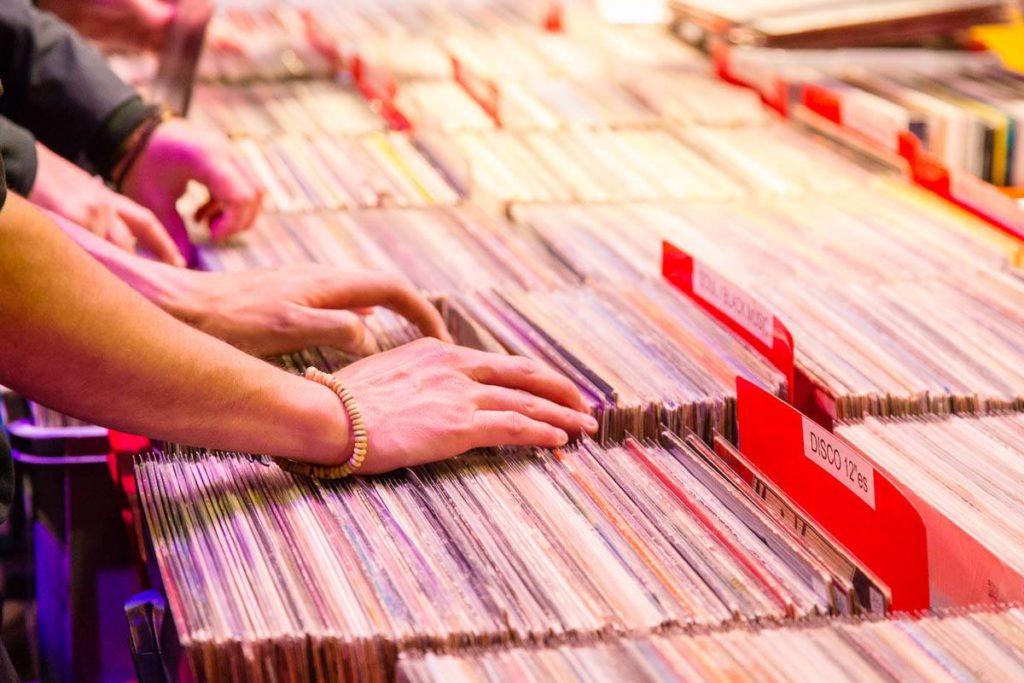 Käufer alter Schallplatten
