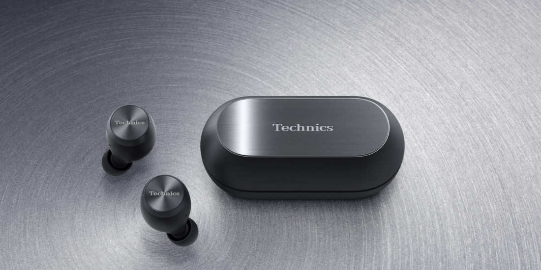 Die Technics-Tru-Wireless-In-Ear-Kopfhörer EAH-AZ70W in Schwarz