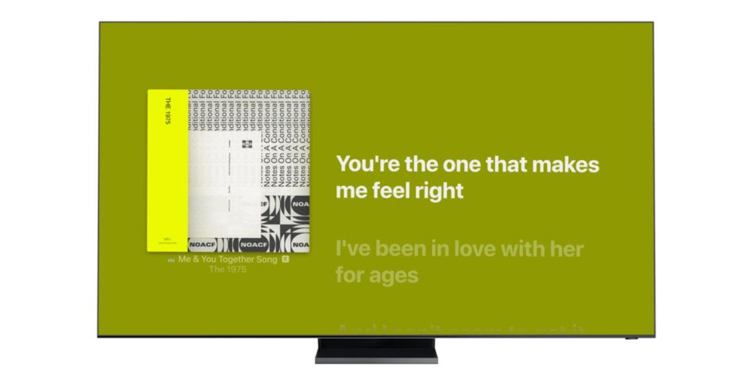 Ein Fernsehgerät, das ein Albumcover mit Apple Music auf dem Display zeigt.