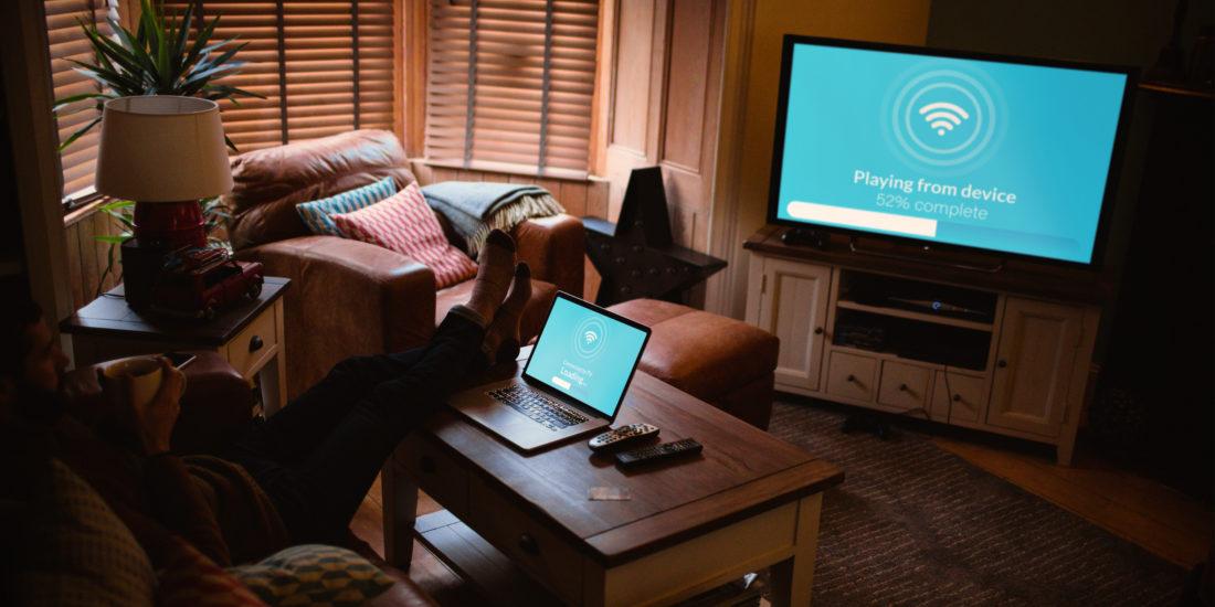 Laptop oder Macbook mit Fernseher verbinden