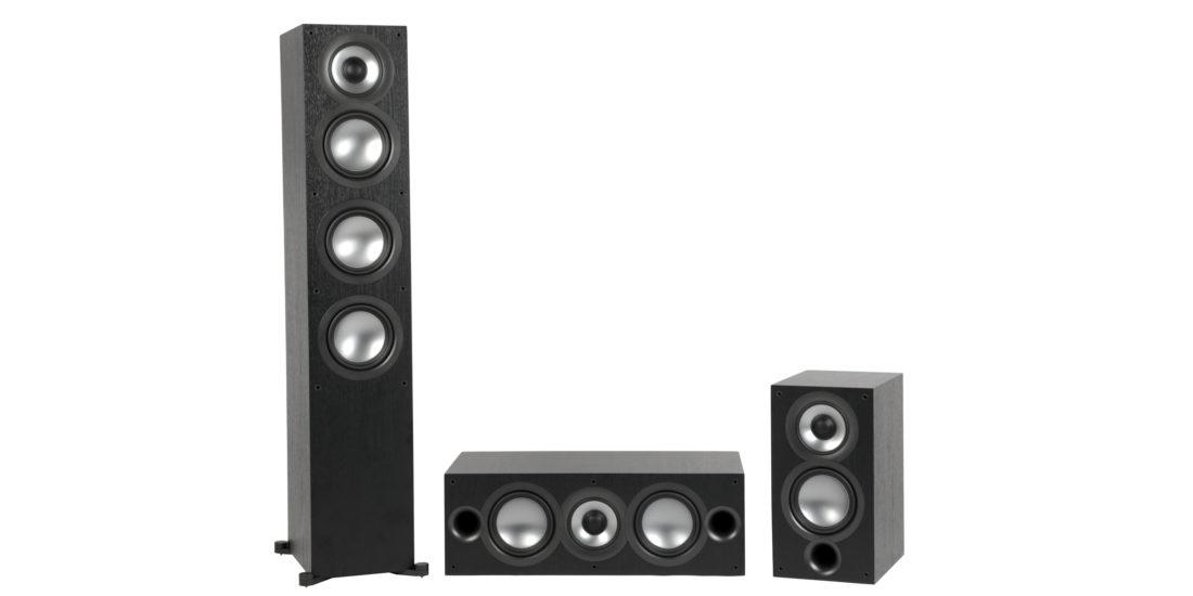 Die Elac-Uni-Fi-Lautsprecher: Standlautsprecher, Center und Regallautsprecher.