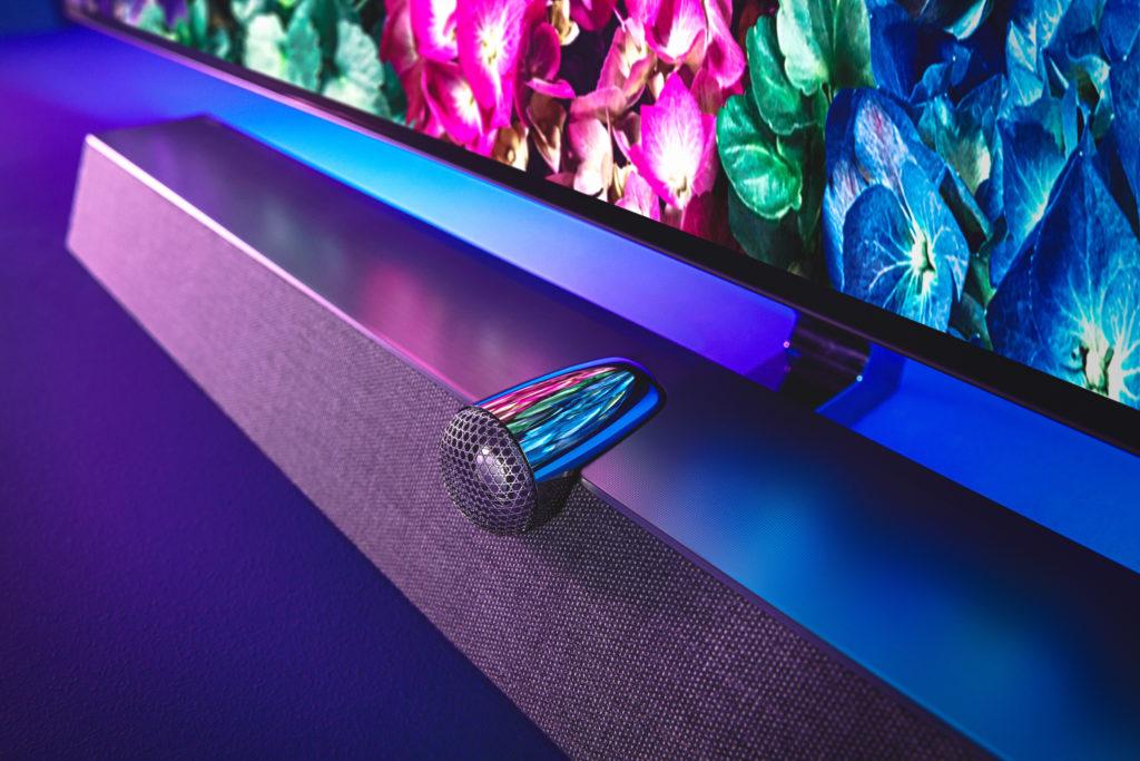 Der Lautsprecher des OLED+935 mit aufgesetztem Hochtönergehäuse