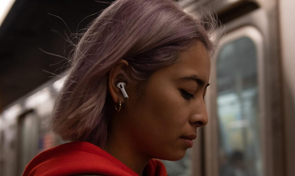 Die Apple AirPods Pro arbeiten natürlich mit AAC.