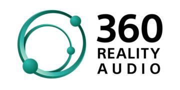 Das Logo 360 Reality Audio zeigt links neben dem Schriftzug zwei grüne, perspektivisch dargestellte Ringe mit daran befestigten Kugeln, was den Eindruck von Planetenlaufbahnen erweckt.