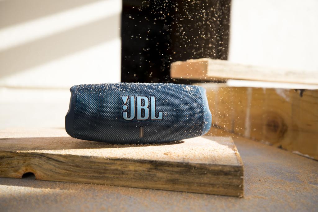 JBL Charge 5 Staub
