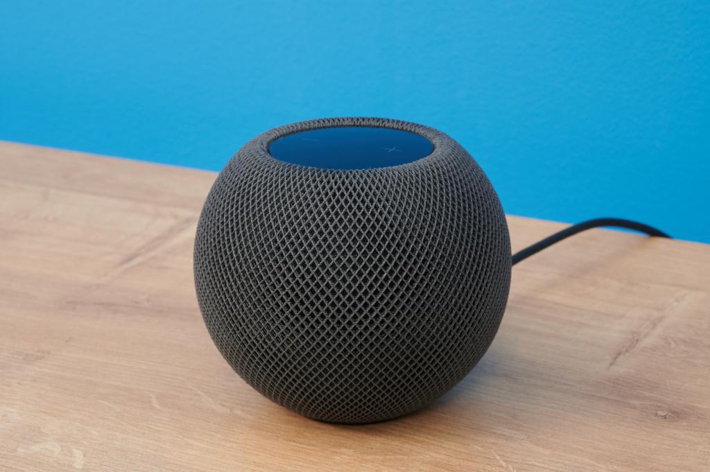Apple HomePod mini Schrägansicht