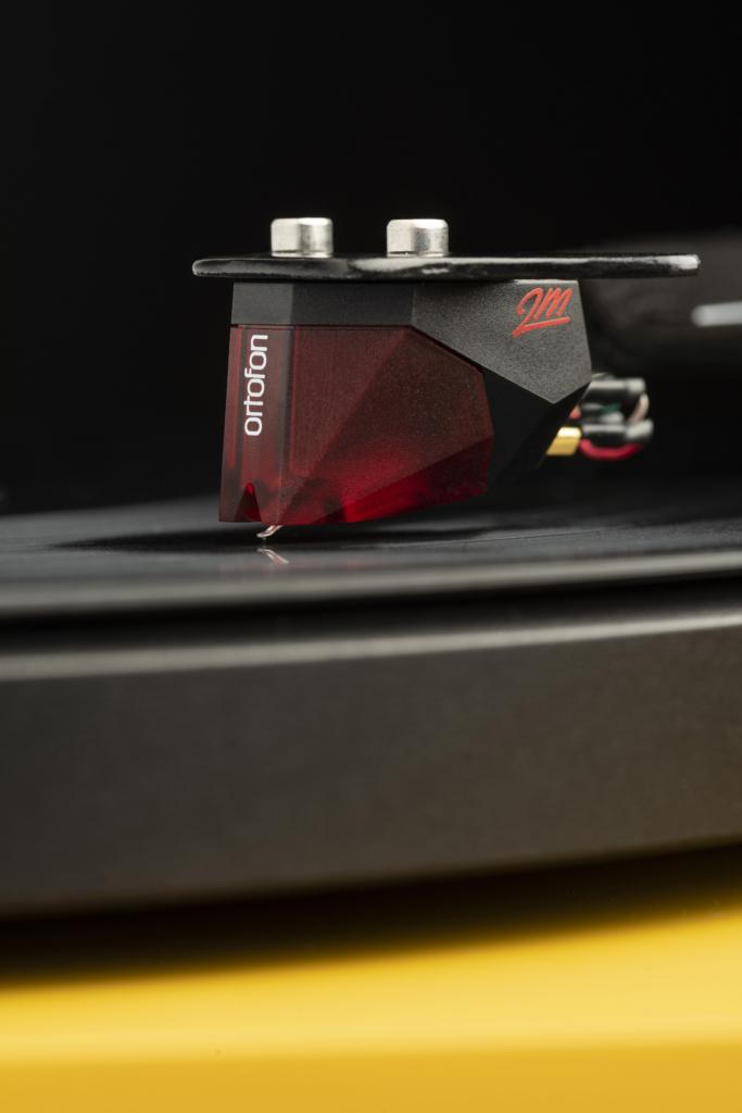 Pro-Ject Debut Carbon Evo - Tonabnehmer Ortofon 2M Red