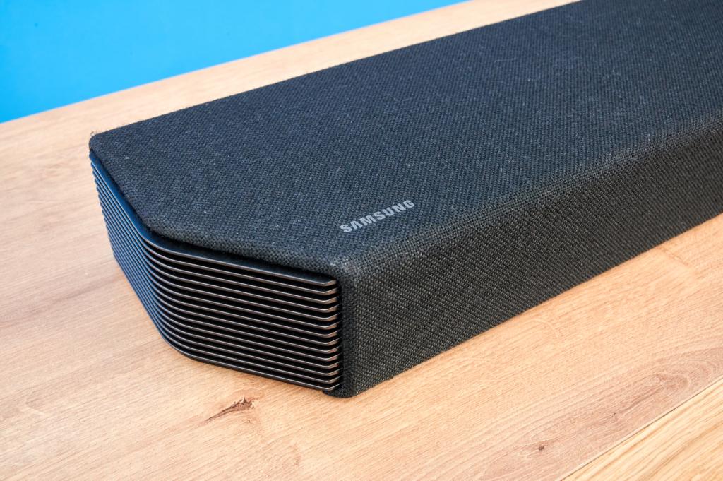 Samsung HW-Q950T Seitenansicht