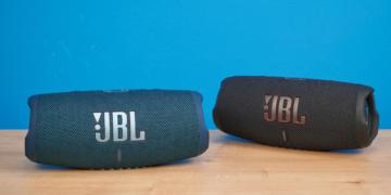 JBL Charge 5 Blau Schwarz