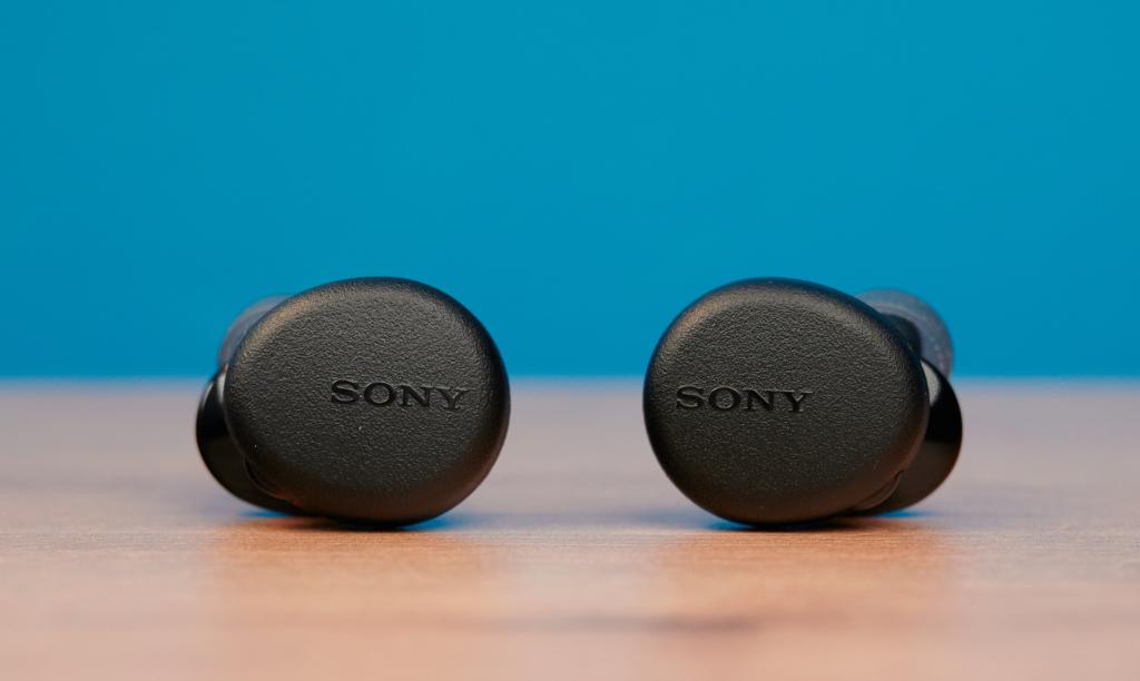 Die Hörer der Sony WF-XB700