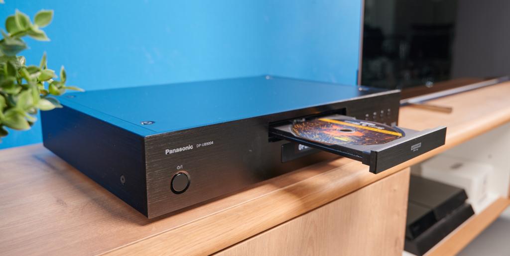 Panasonic DP-UB9004 mit Blu-ray Disk