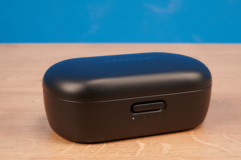 Ladecase der Bose QuietComfort Earbuds
