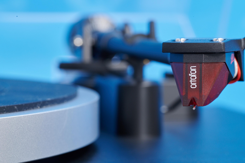 Dual CS 418 - Ortofon 2M Red serienmäßig