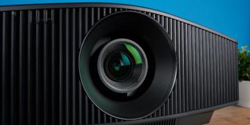 Sony VPL-VW790ES: Laser-Beamer mit echter 4K-Auflösung im Test