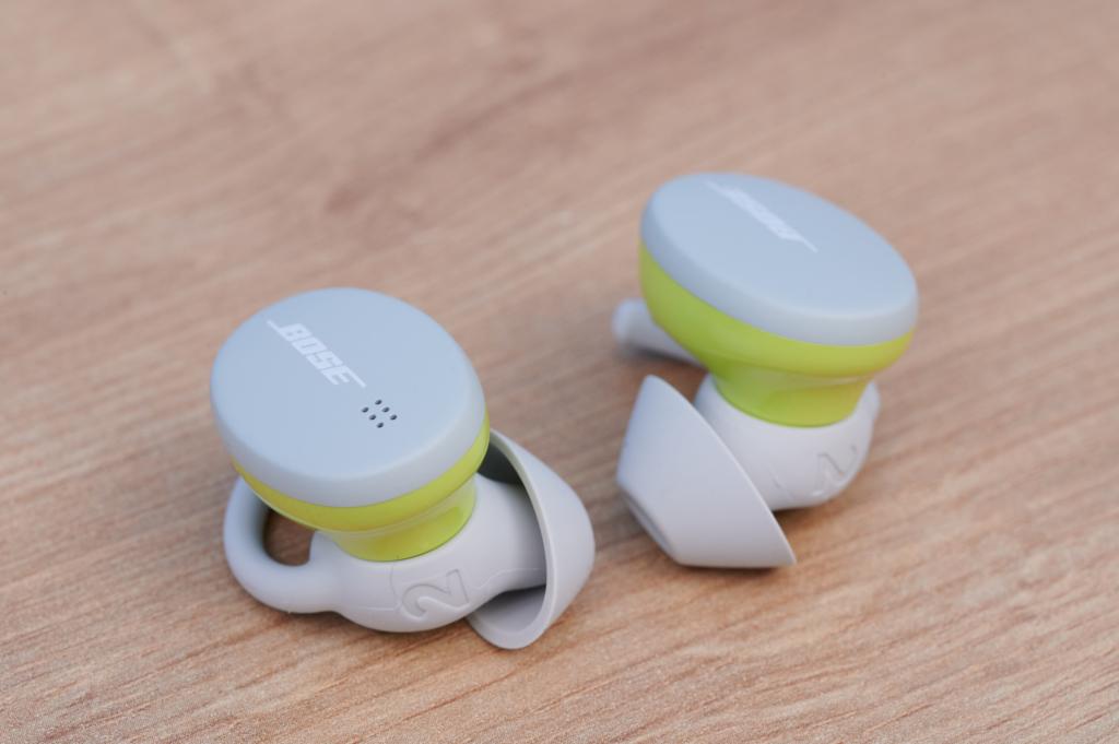 Die Touchfelder der Bose Sport Earbuds