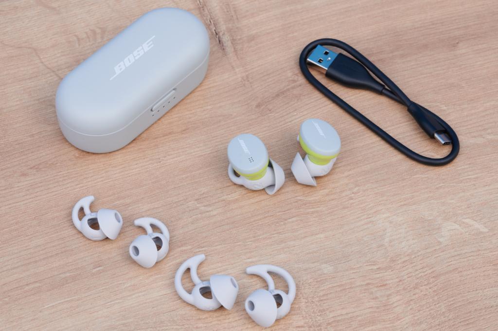 Der Lieferumfang der Bose Sport Earbuds.