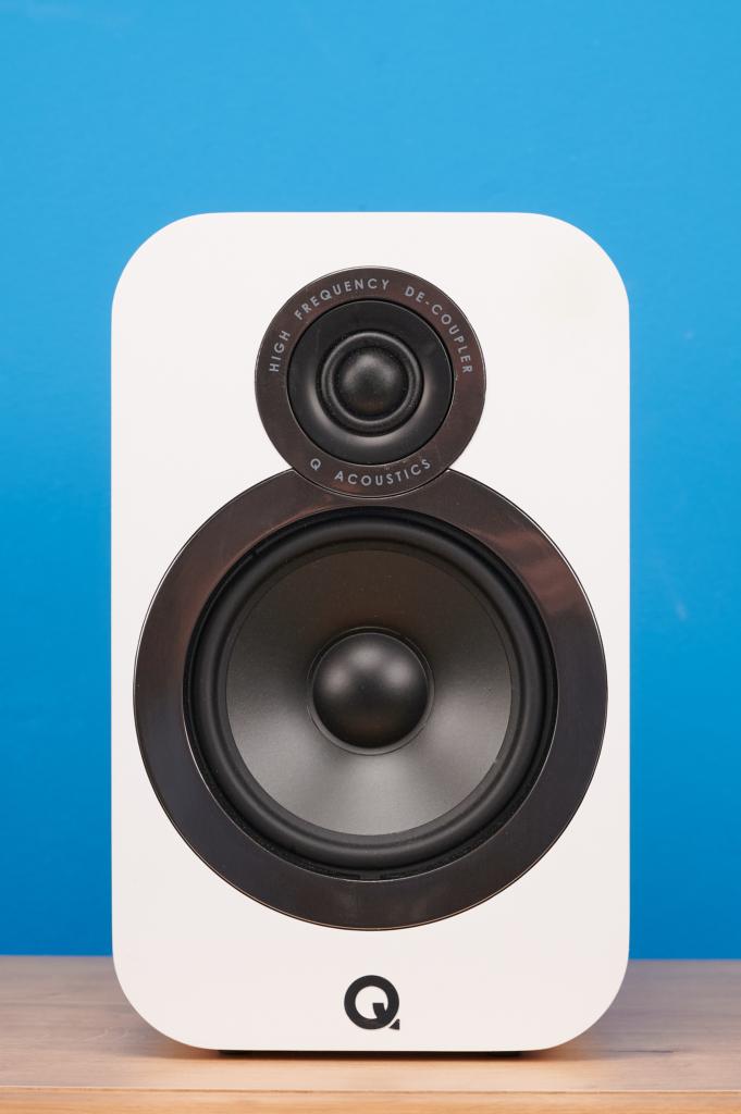 Q Acoustics 3020i Front