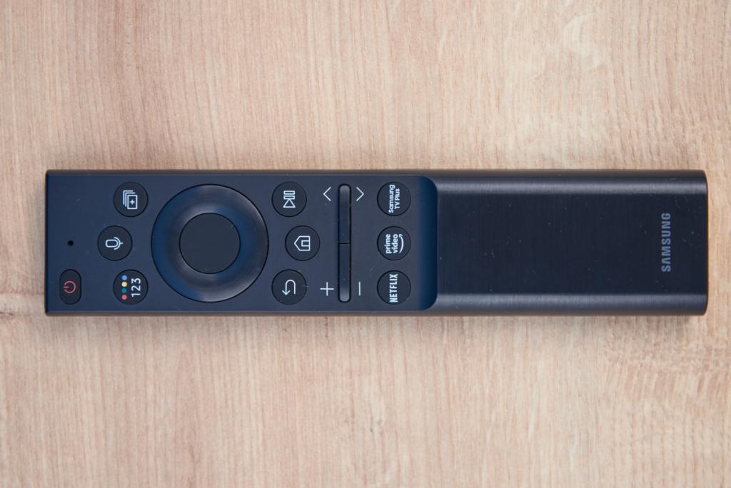 Samsung Smart Remote beim QN900A