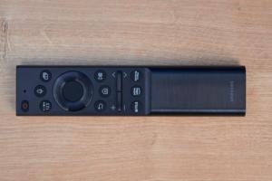 Samsung Smart Remote für AU8079