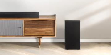 Samsung-Soundbar auf Regal