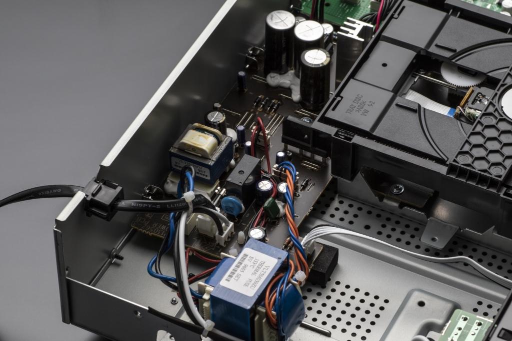 Denon DCD-600NE - Stromversorgung