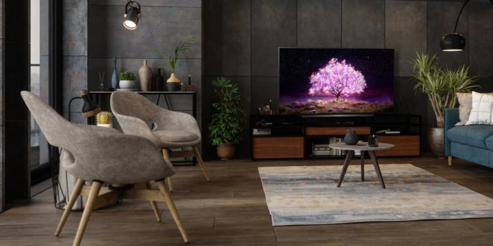 LG OLED TV im Wohnzimmer