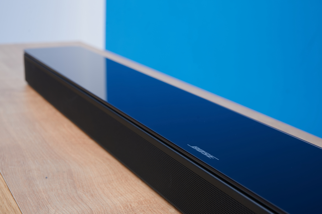 Bose Smart Soundbar 700 Front Schräg