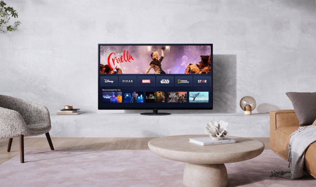 """Disney+ bietet auch an Panasonic-TVs das volle Programm - mit Blockbustern wie """"Cruella""""."""