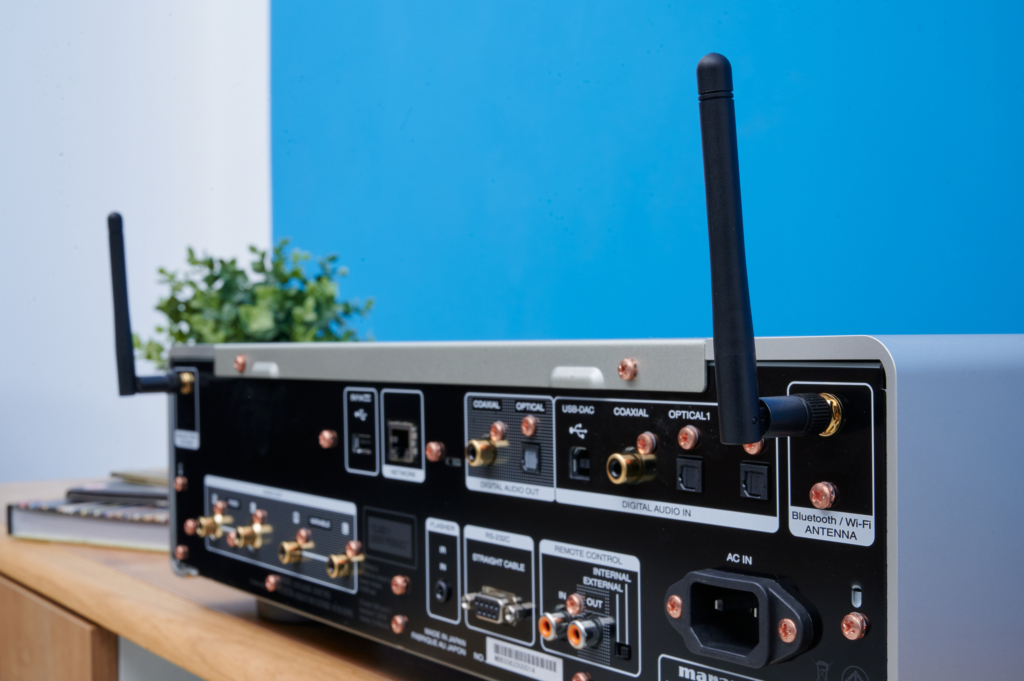 Marantz SACD 30n - Bluetooth und WIFI-Antennen