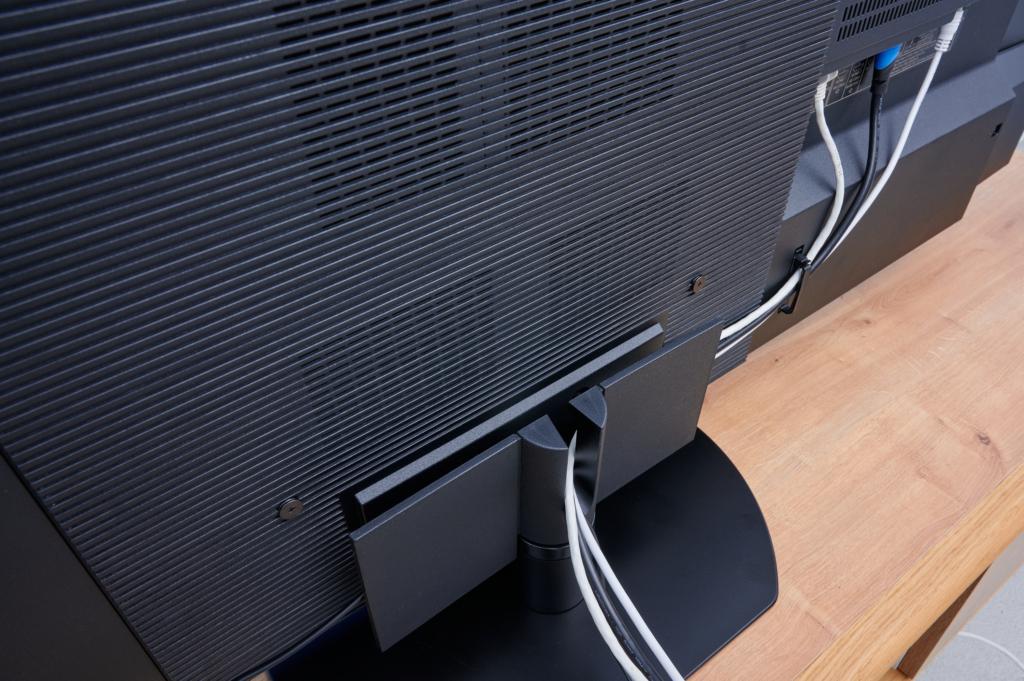 Panasonic-JZW1000-kabelfuehrung