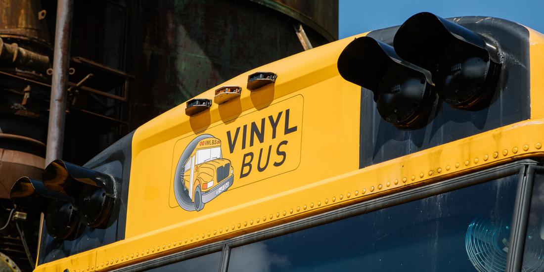Vinyl-Bus oben